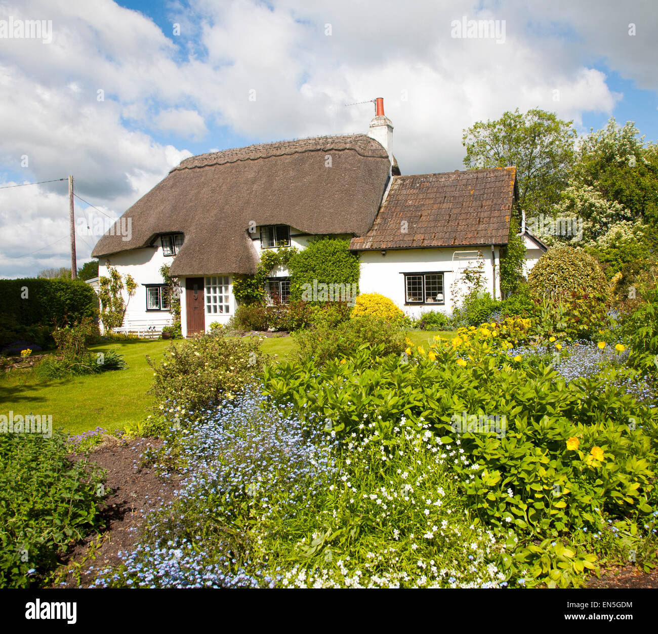 Property Released pretty detached country cottage and garden Cherhill, Wiltshire, England, UK - Stock Image