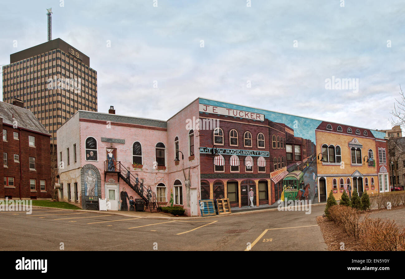 Syracuse, New York, USA. April 26,2015. 264 East Onondaga Street.  Turn of the century style mural , commissioned - Stock Image