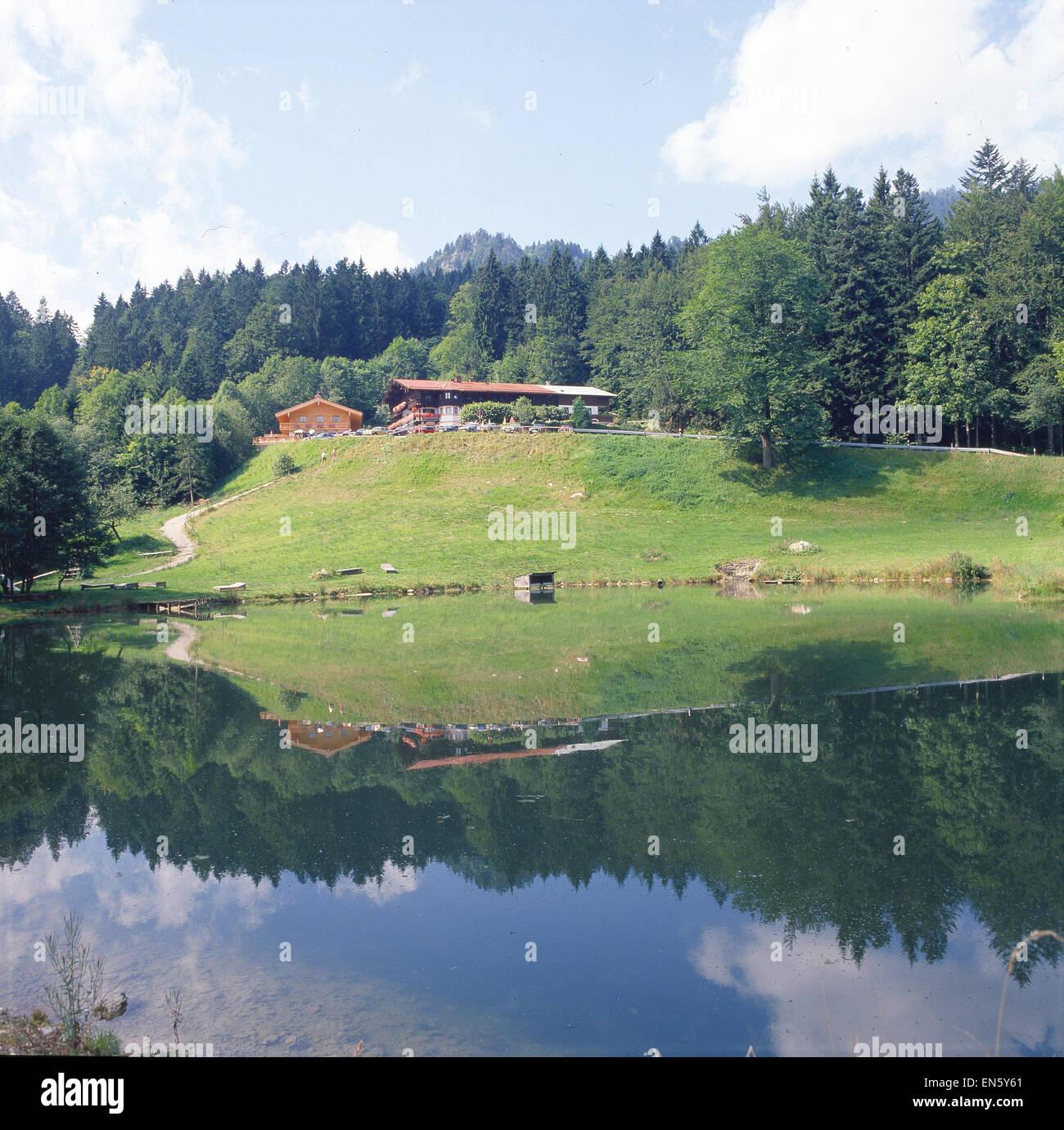 Deutschland, Bayern, München, Blick auf das Gasthaus Tatzelwurm, Obb - Stock Image