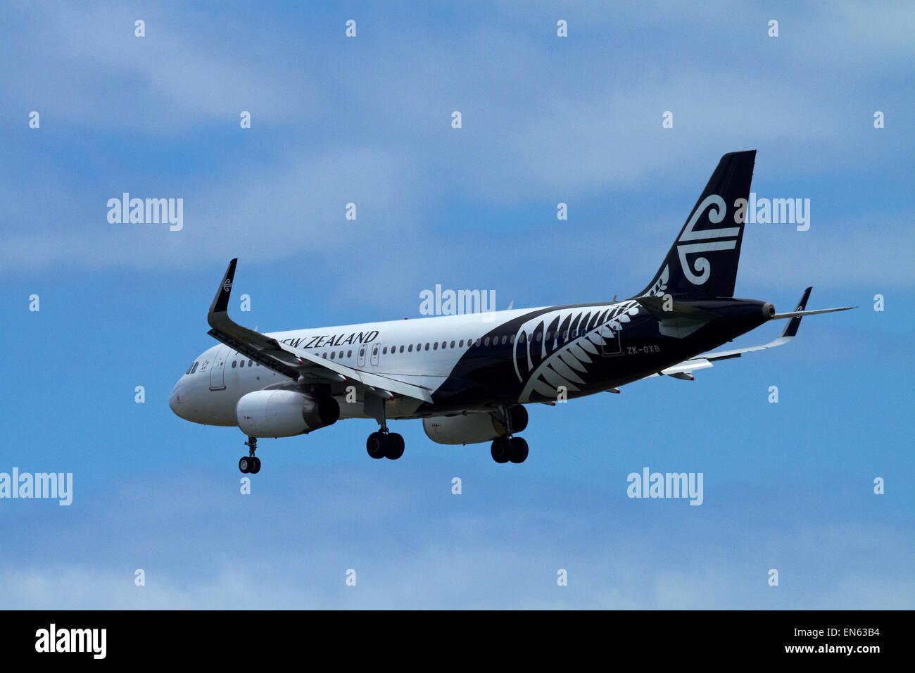 Air New Zealand Airbus A320-200 landing at Wellington International Airport, Wellington, North Island, New Zealand - Stock Image