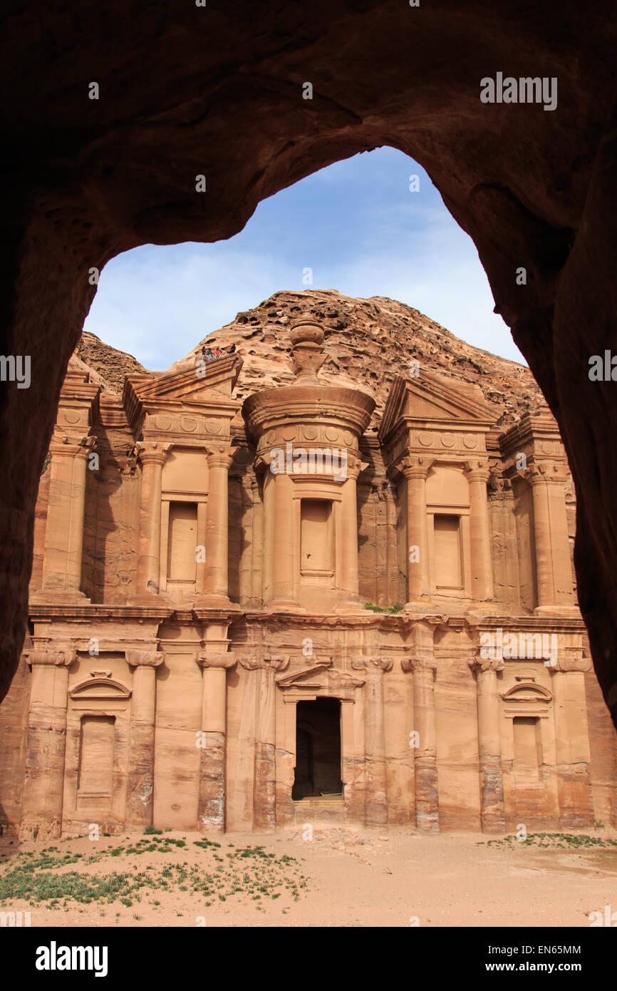 Ancient temple in Petra, Jordan - Stock Image