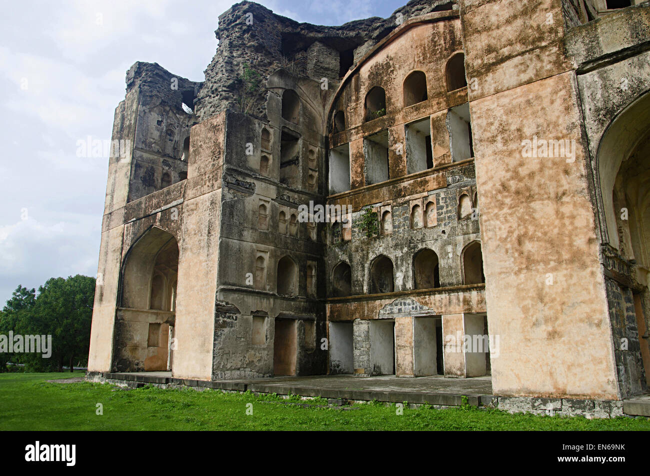 Farah Bagh (Faria Bagh) Build by Nizam Shahi rulers, Farah Bagh was the centrepiece of a huge palatial complex completed - Stock Image