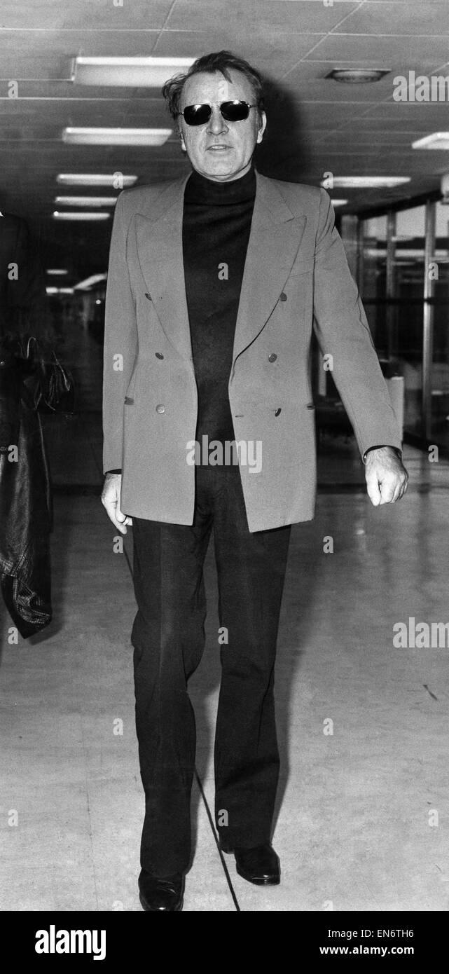 Richard Burton photographed at Heathrow Airport December 1973 - Stock Image
