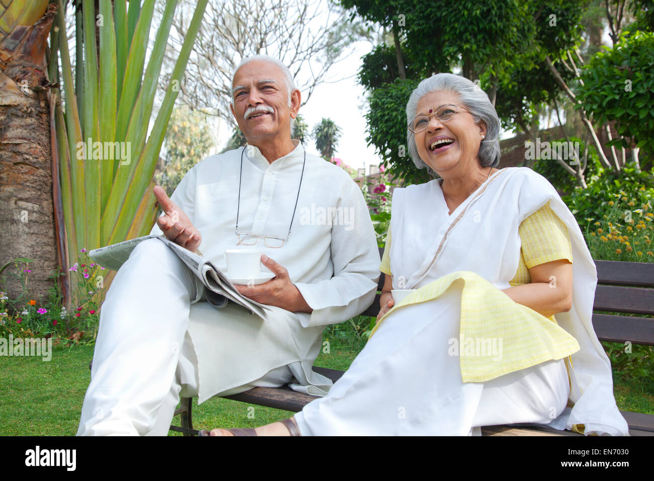 Old couple looking at something - Stock Image
