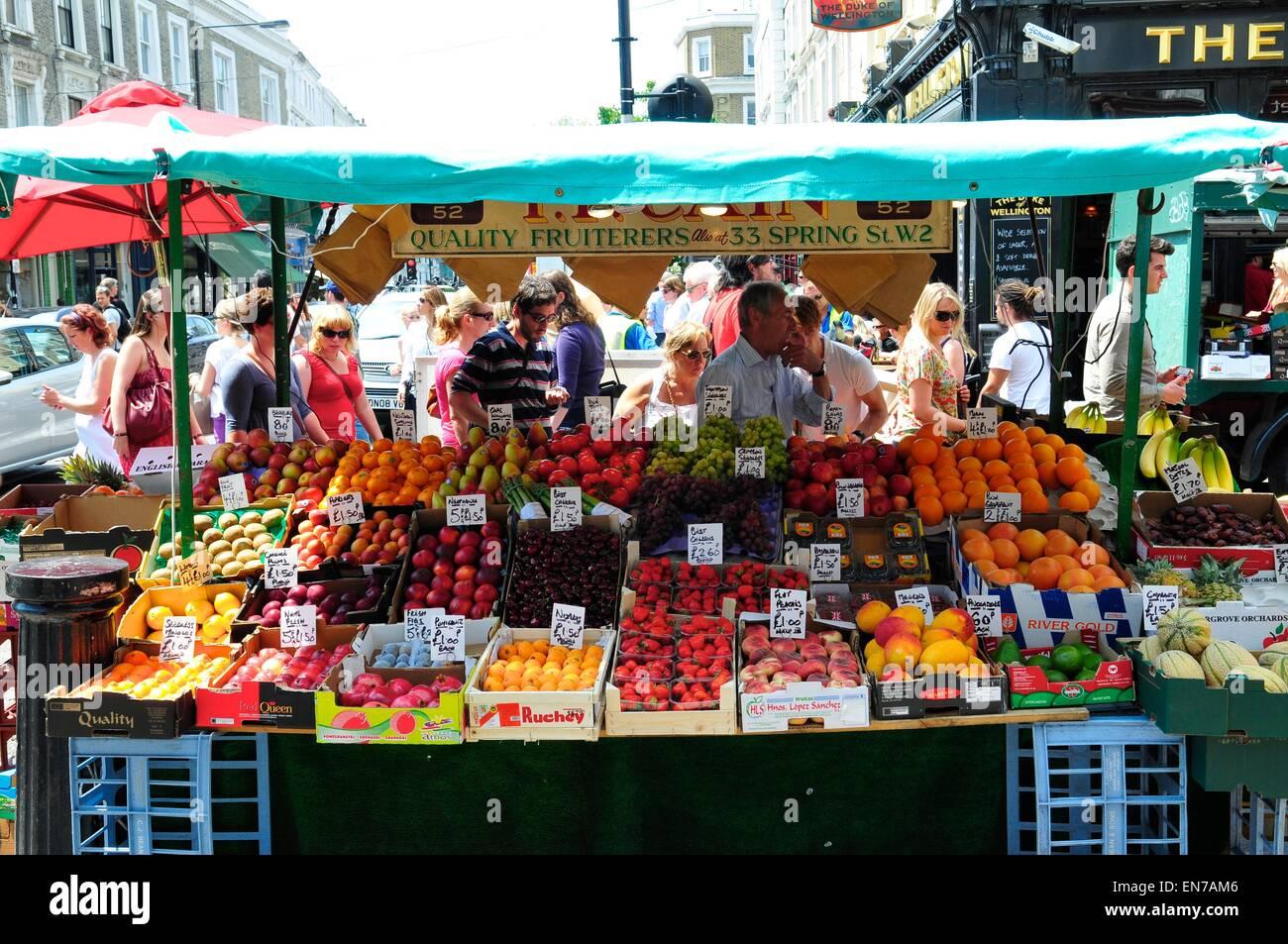 Fruit Market Stall, Portobello Road, Notting Hill, London, England, UK - Stock Image