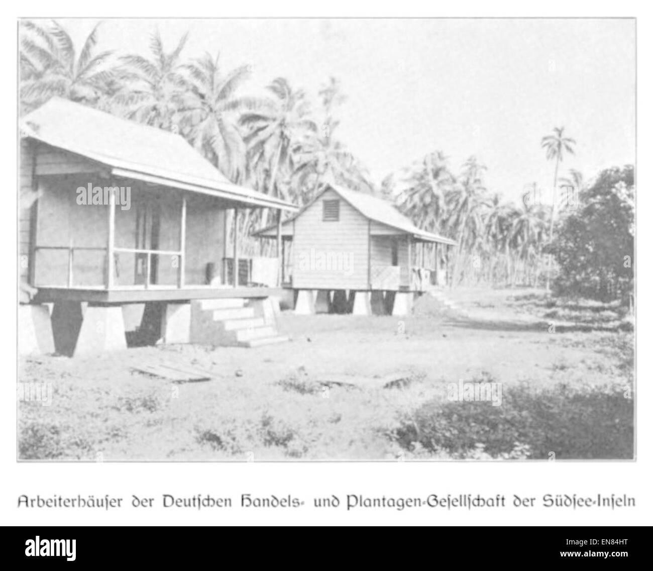 WOHLTMANN(1904) p105 ArbeiterhC3A4user, der Deutsche Handels- und Plantagengesellschaft der SC3BCdsee-Inseln - Stock Image