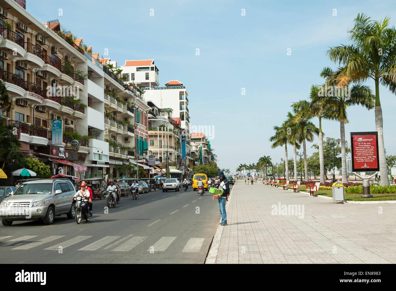 Preah Sisowath Quay - The beautiful riverside street in Phnom Penh, Cambodia, Asia. Stock Photo