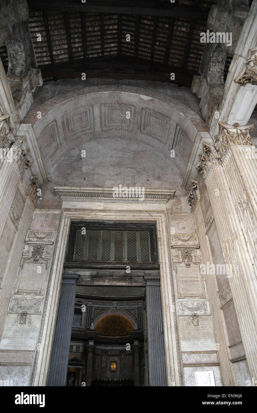 Italy. Rome. Pantheon. Roman temple. Under the portico. - Stock Image