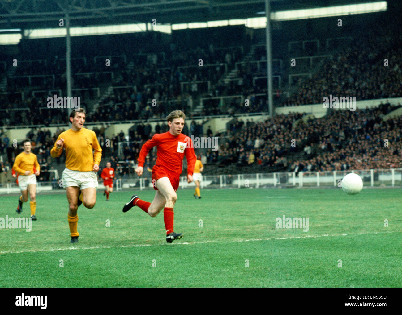 Amateur Cup Final. North Shields v. Sutton United. Rutherford of North Shields and Dario Gradi of Sutton. 12th AprilStock Photo