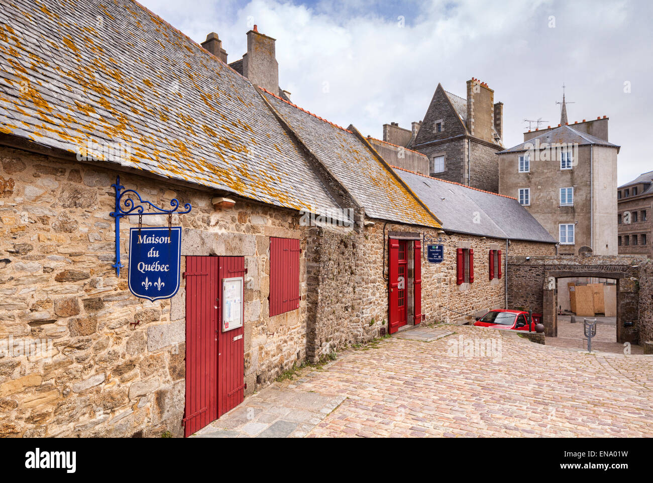 The Maison de Quebec in the old walled town of Saint-Malo, Britanny. - Stock Image