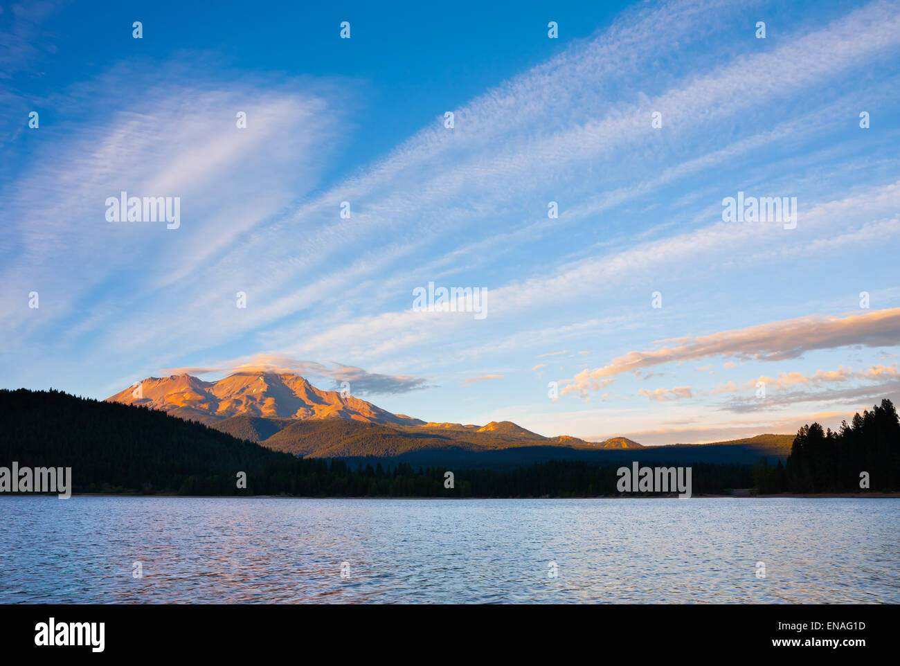 Mount Shasta at sunset - Stock Image