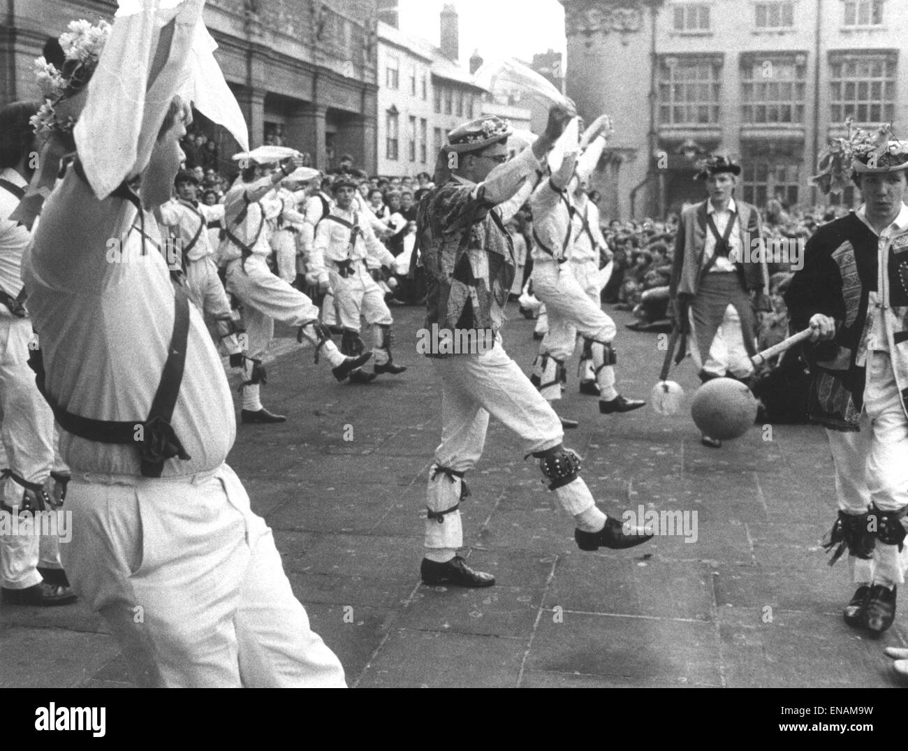 FILE PHOTOS: Oxford, Oxfordshire, UK. 1st May, 1968. Oxford May Morning. May Day Morris dancers in Broad Street, - Stock Image