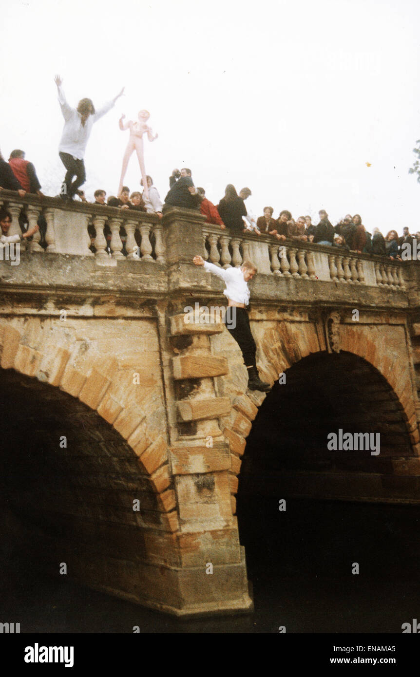 FILE PHOTOS: Oxford, Oxfordshire, UK. 1st May, 1995. Oxford May Day. May Day Celebrations Magdalen Bridge, Oxford Stock Photo