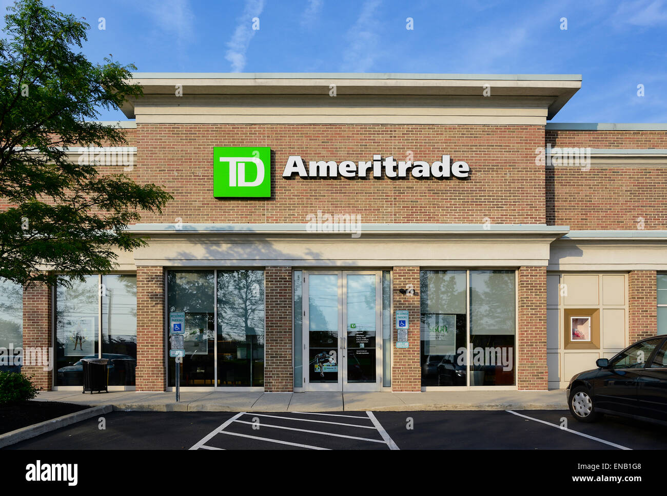 TD Ameritrade discount brokerage office, Mount Laural, New Jersey, USA. - Stock Image