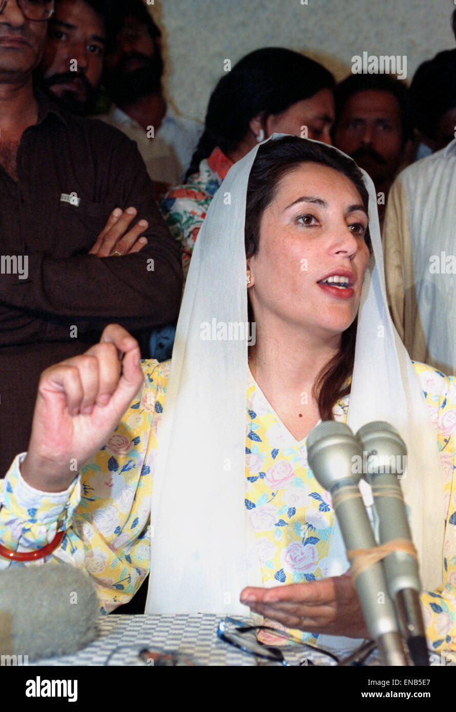 Benazir Bhutto Stock Photos & Benazir Bhutto Stock Images ...