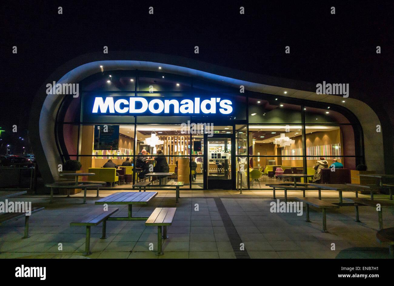 Mcdonalds Fast Food Restaurant at Night Ashford Kent - Stock Image