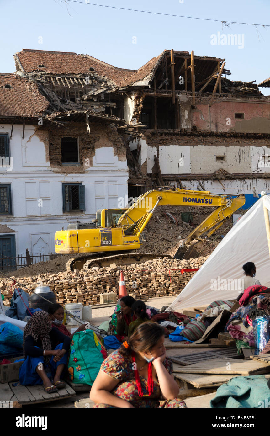 Nepal Earthquake: People living in shelter in streets due to damage