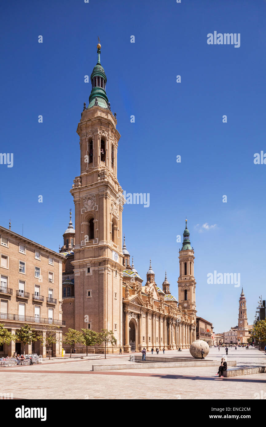 Basilica and Plaza of Our Lady of the Pillar, Zaragoza, Aragon, Spain. - Stock Image
