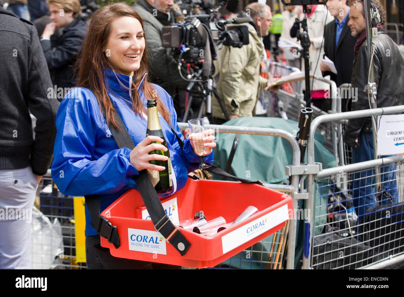 Drinks delivered to the Press outside the  Lindo Wing where the  Duchess of Cambridge gave birth to a Princess Stock Photo