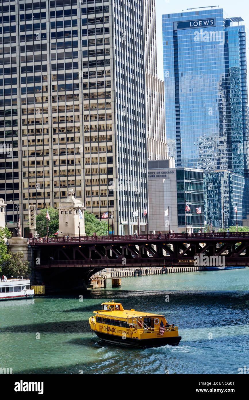 Chicago Illinois Michigan-Wacker Historic District Chicago River skyline boat water taxi Michigan Avenue Bridge - Stock Image