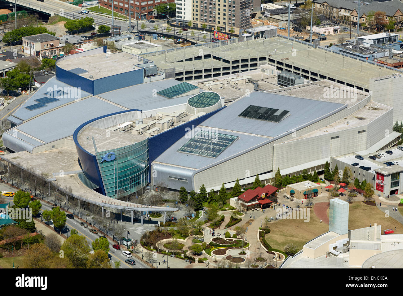 `Downtown Atlanta in Georga USA The Georgia Aquarium is a public aquarium formed by the Coka Cola HQ headquarters - Stock Image