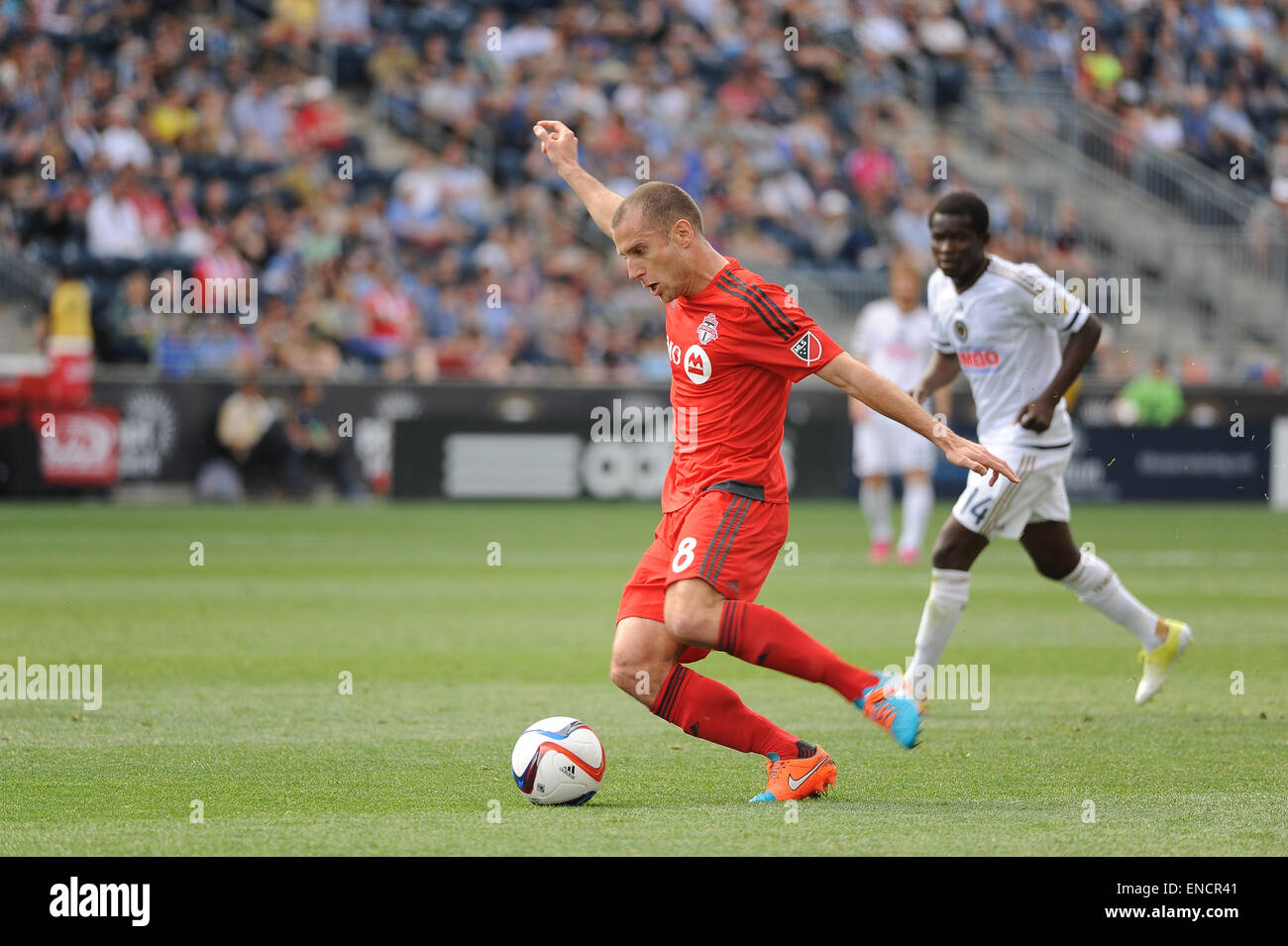 Chester, Pennsylvania, USA. 2nd May, 2015. Toronto FC midfielder, BENOIT CHEYROU (8), pushes the ball down the pitch Stock Photo