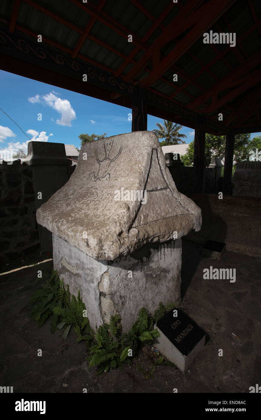 Pre-christian ancestral tombstones in Tomohon, North Sulawesi, Indonesia. - Stock Image