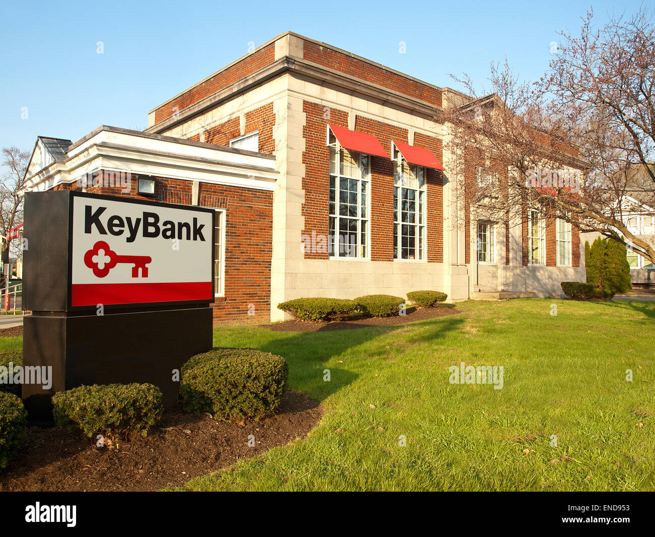 Liverpool , New York. The Key Bank branch in the village of Liverpool, New York - Stock Image