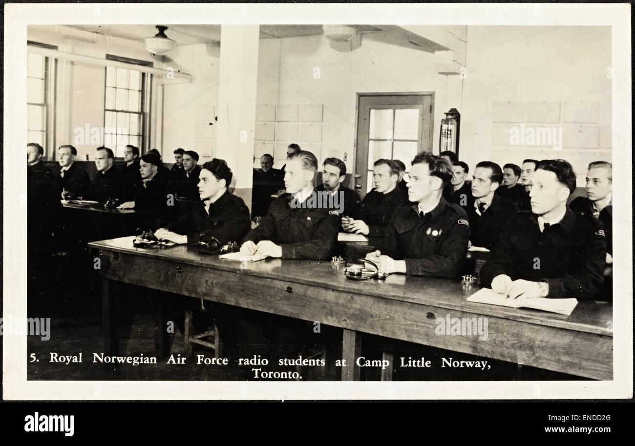 5. Royal Norwegian Air Force radio students at Camp Little Norway, Toronto 5 Royal Norwegian Air Force radio students - Stock Image
