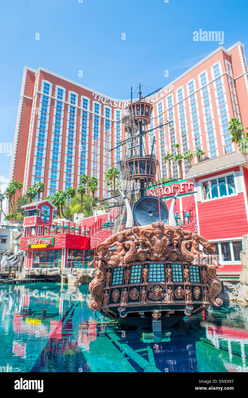 Treasure Island Hotel And Casino In Las Vegas Stock Photo Alamy