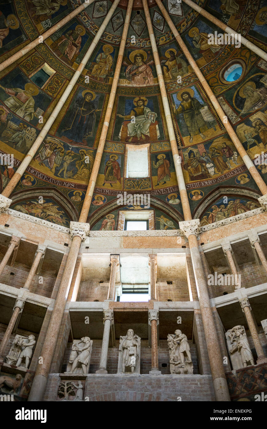 Parma, frescoes paintings and sculpture in the baptistery of the basilica cathedral - Stock Image