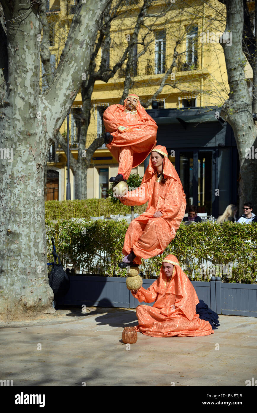 Living Sculpture, Street Performer, Street Artist or Street Theatre in Aix-en-Provence Provence france - Stock Image