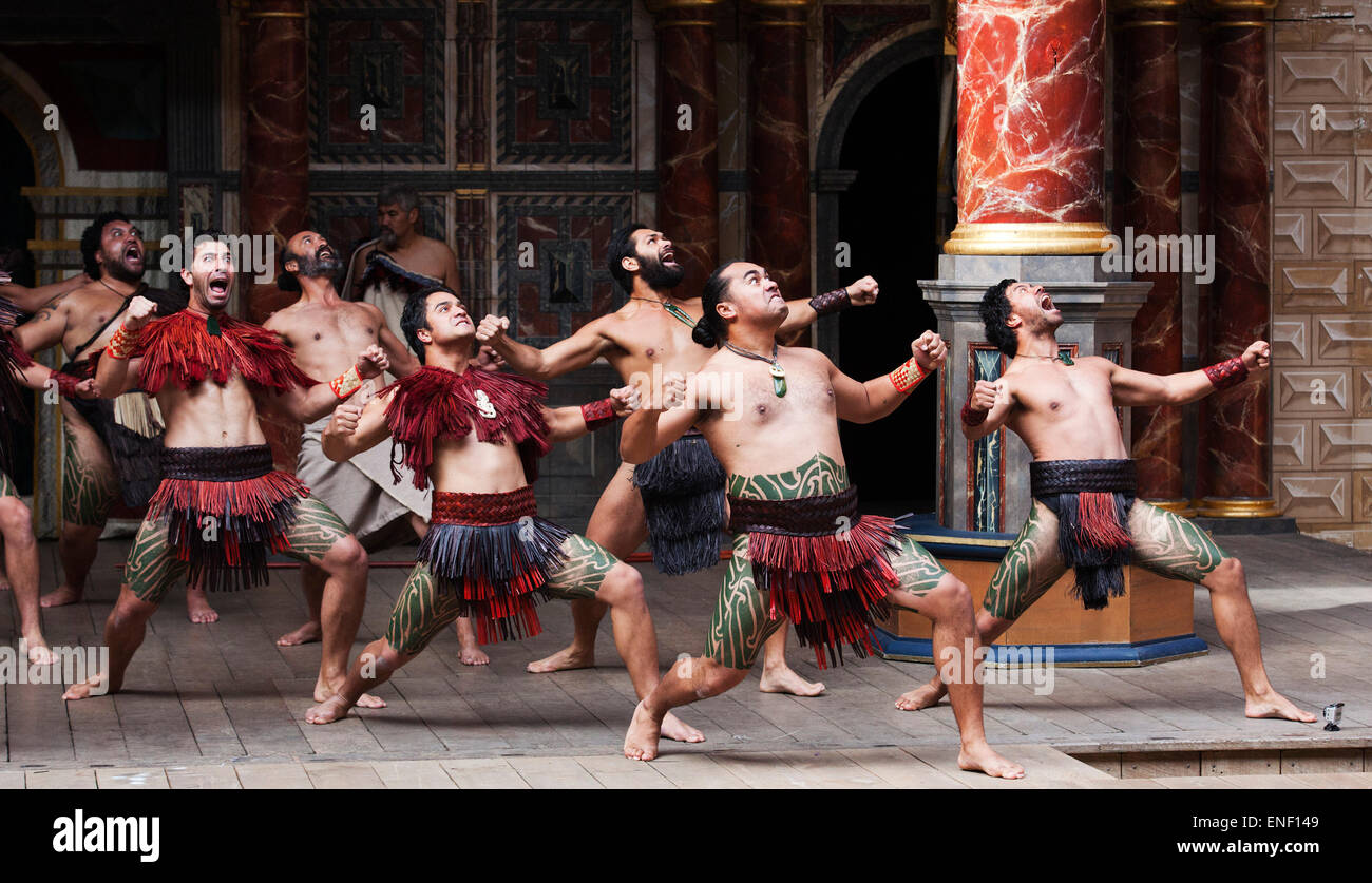 """A """"Haka"""" is performed during the play Troilus & Cressida on Shakespeare's birthday by New Zealand's Ngakau Toa theatre Stock Photo"""