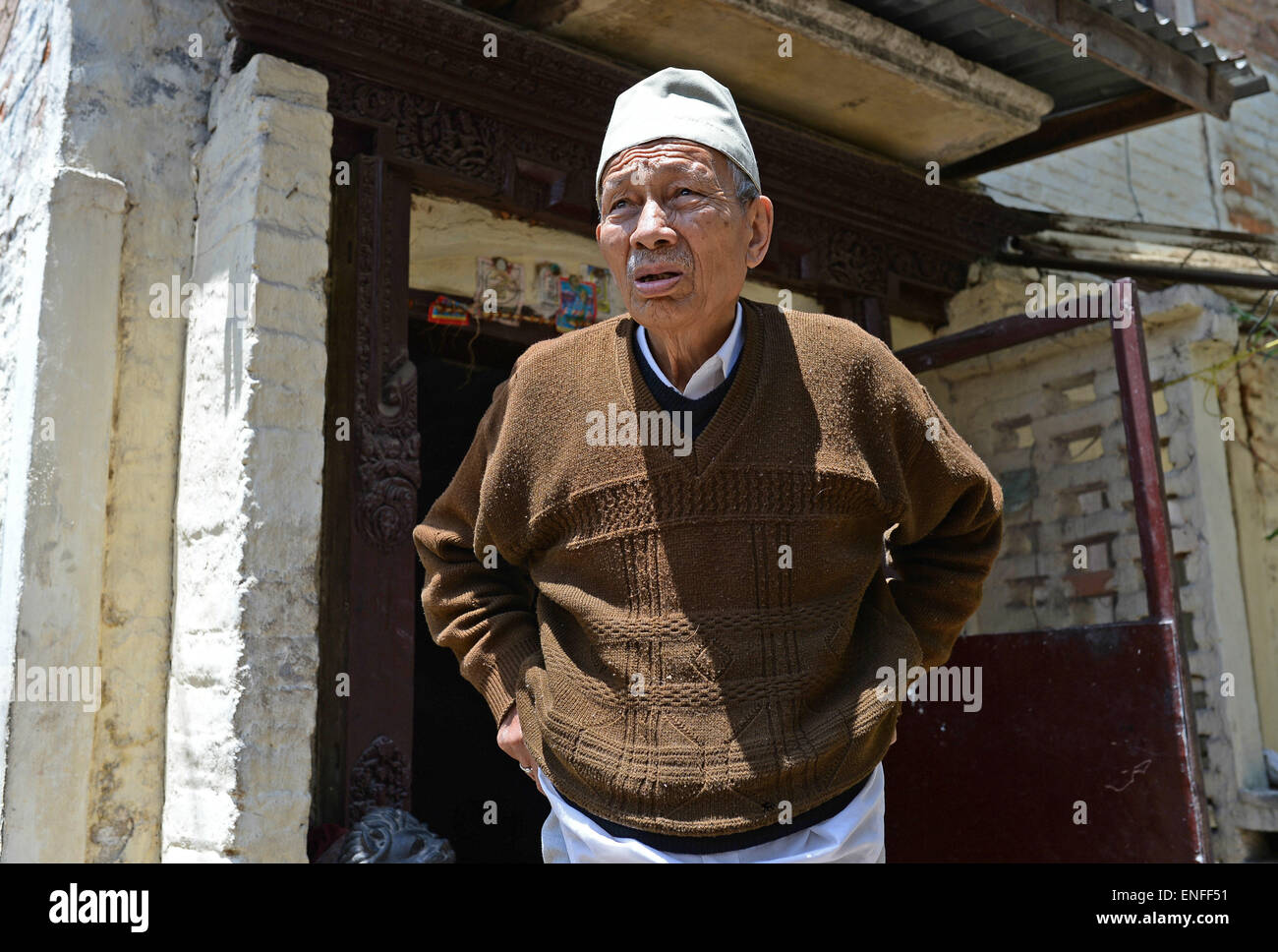 Kathmandu, Nepal. 04th May, 2015. Satyamohan Joshi talks about his memories of the earthquake that occurred in Nepal - Stock Image