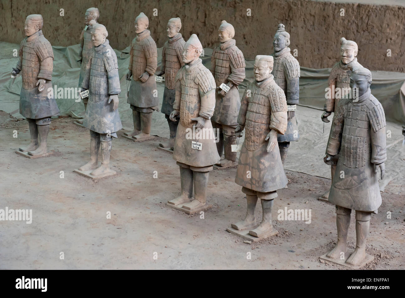 First pit, standing warriors in a row, figures, Emperor Qin Shi Huang Mausoleum, Terracotta Army, Xi'an - Stock Image