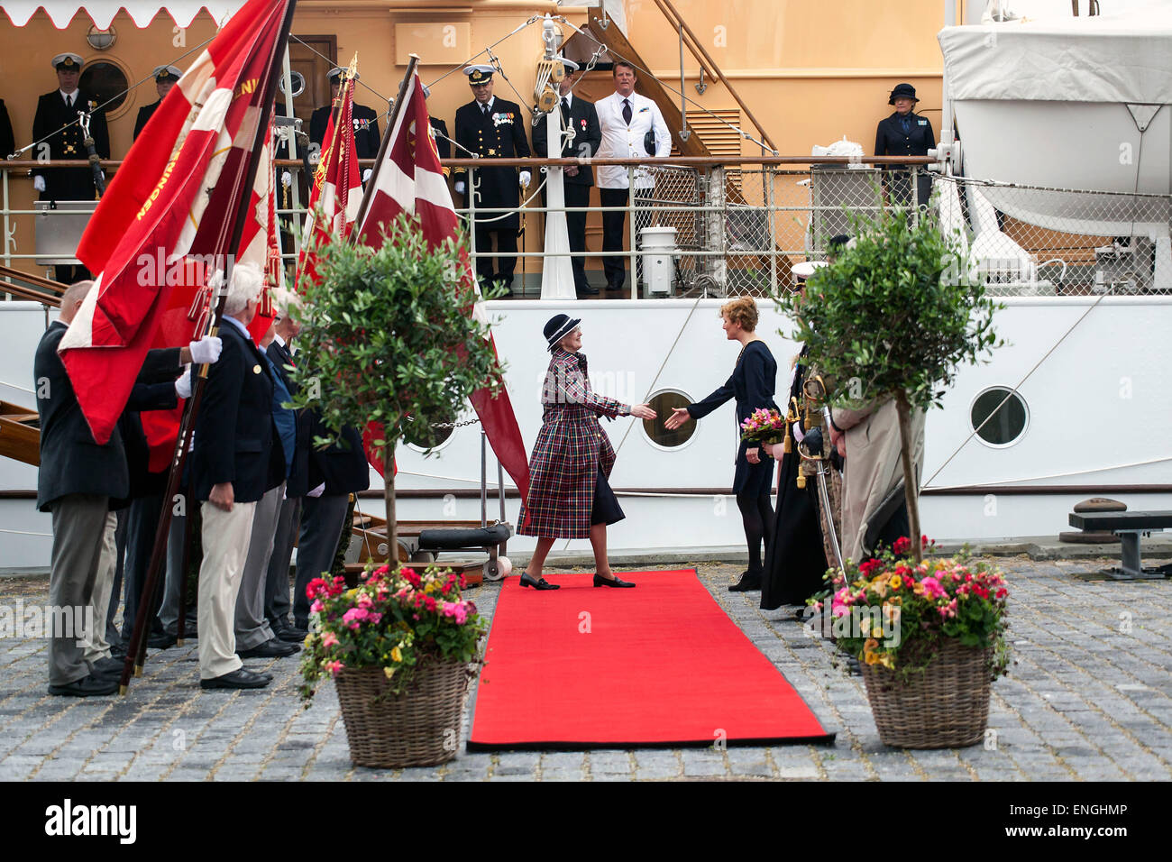 Helsingore, Denmark. 5th May, 2015. H. M. Queen Margrethe arrives with the Prince Consort onboard the royal ship, - Stock Image