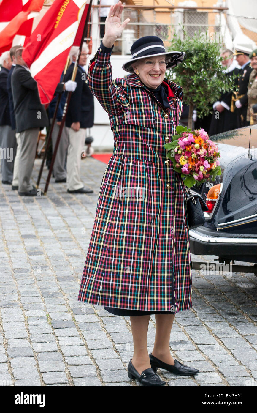 Helsingore, Denmark. 5th May, 2015. H. M. Queen Margrethe waves to bystanders. The Queen and the Prince Consort - Stock Image