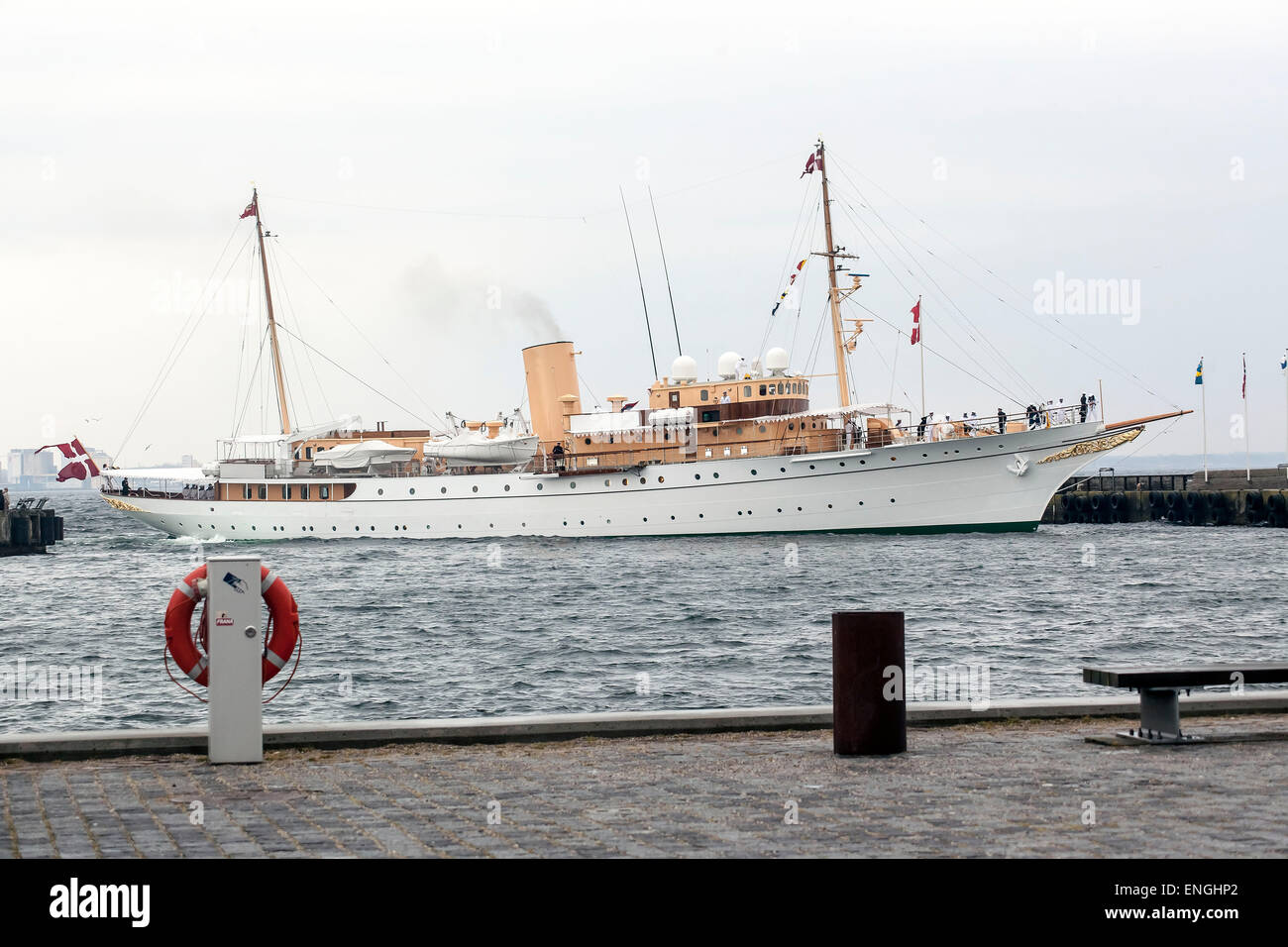 Helsingore, Denmark. 5th May, 2015. The royal ship, Dannebrog, arrives to Helsingore after 2 hours sailing from - Stock Image