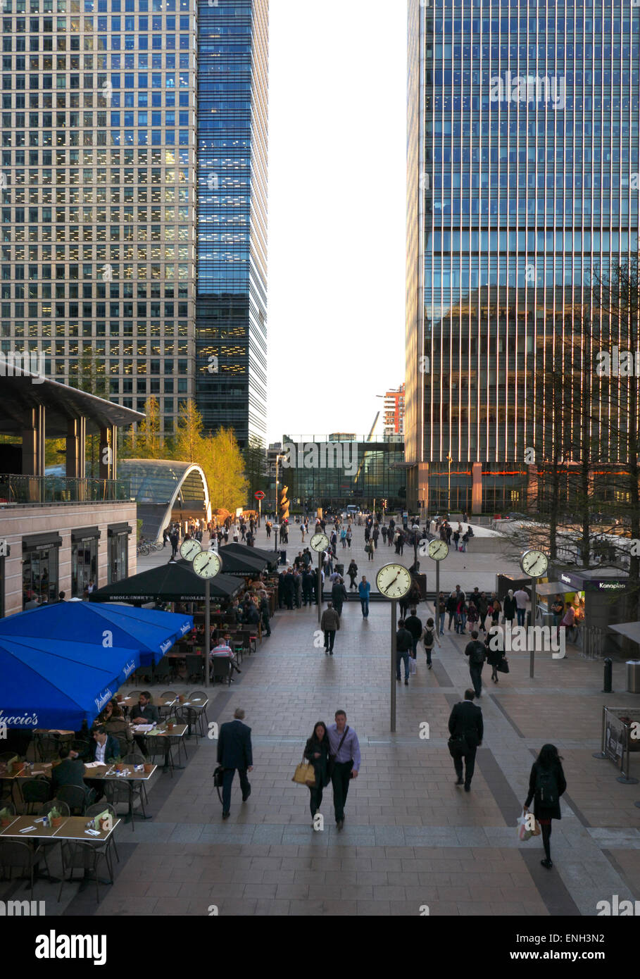 Canada Square piazza in late afternoon sunshine Canary Wharf London - Stock Image