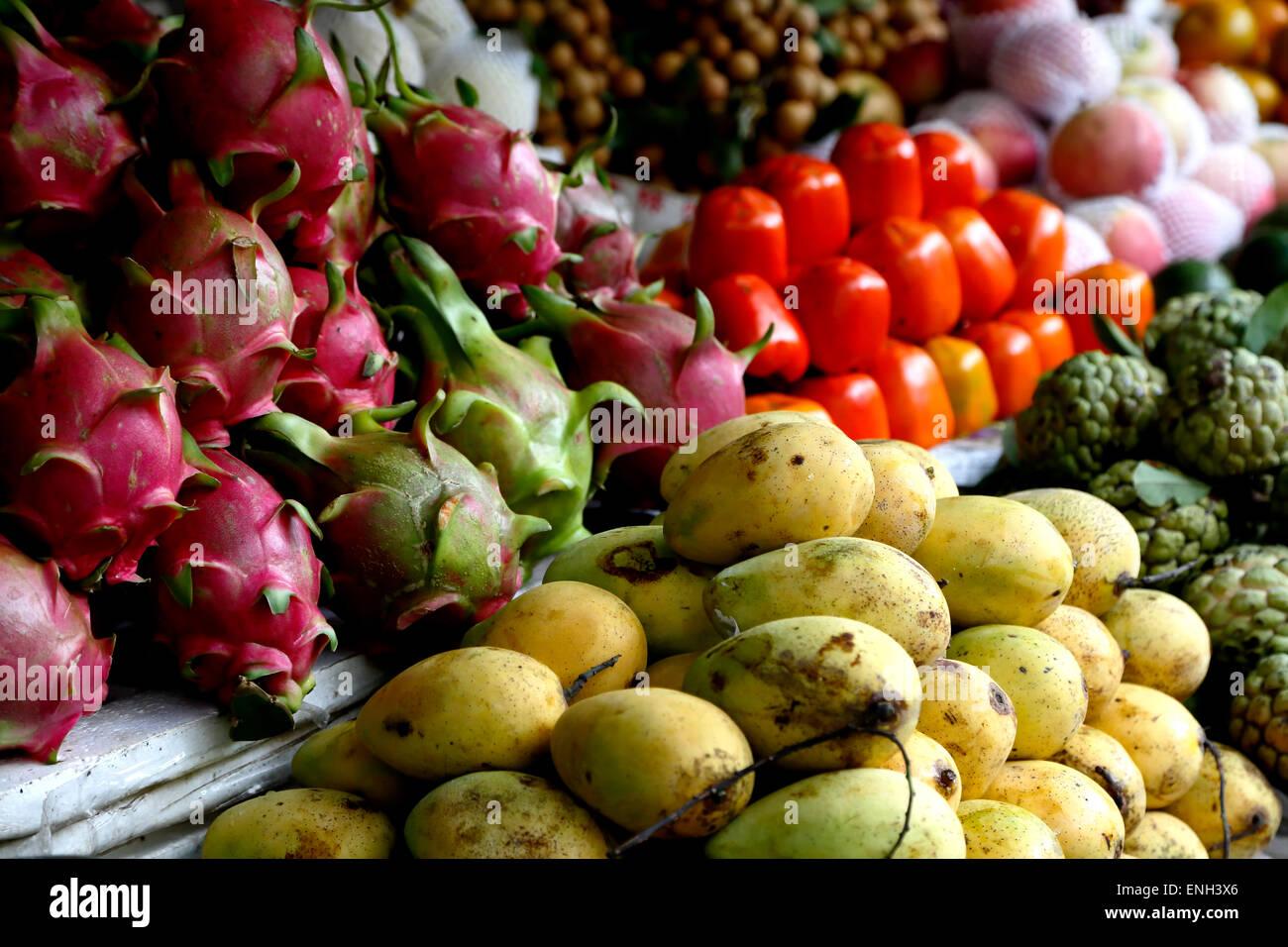 Colorful fruit display, Central Market, Hoi An, Vietnam - Stock Image