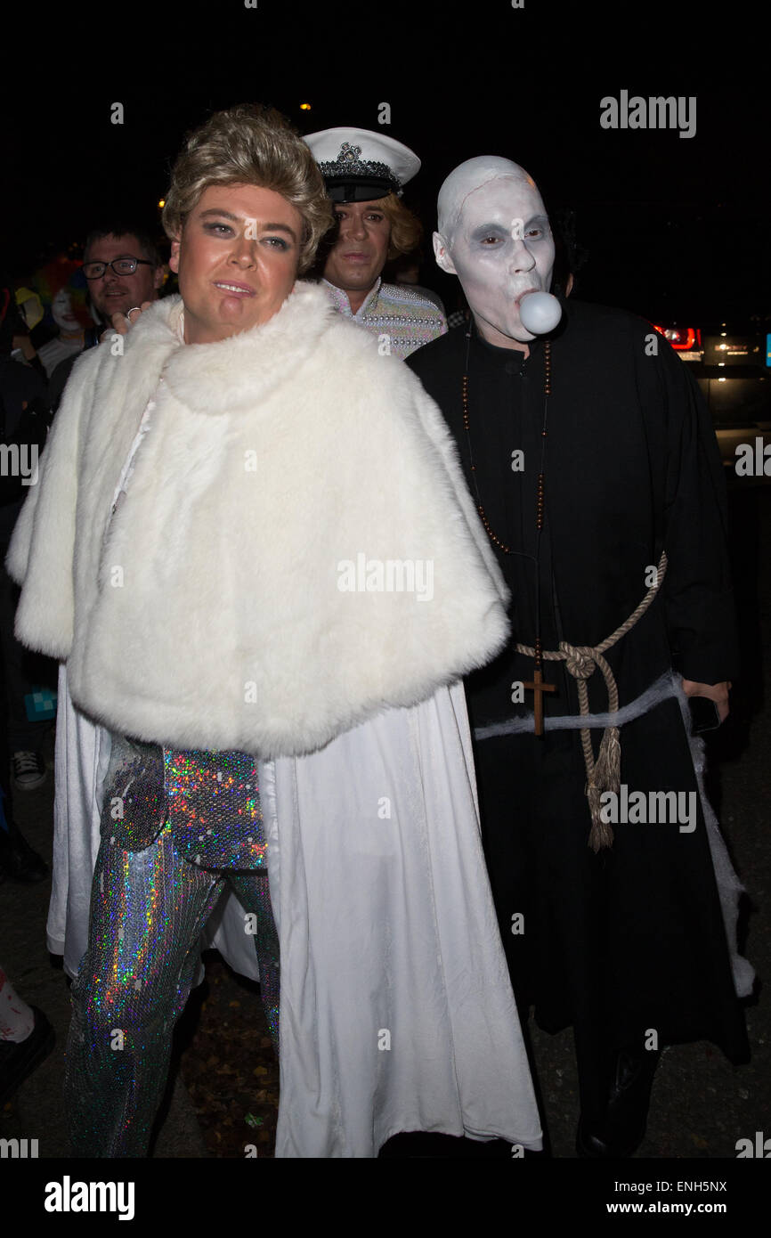 Jonathan Rossu0027 Halloween party - Arrivals. Alan Carr arrives as Liberace while Gok Wan arrives as Uncle from the Addams Family Featuring Alan CarrGok Wan ...  sc 1 st  Alamy & Jonathan Rossu0027 Halloween party - Arrivals. Alan Carr arrives as ...