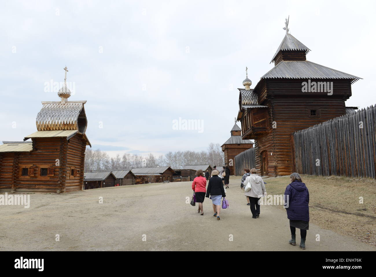 Old traditional Siberian wooden houses in the Taltsy Open-Air Museum near Irkutsk. - Stock Image