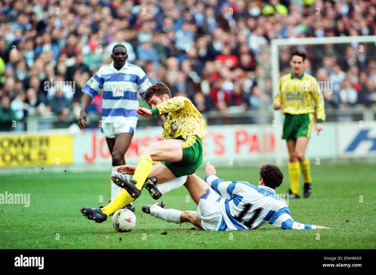 QPR v Norwich, league match at Loftus Road, Saturday 6th March 1993. Norwich's Chris Sutton tackles for the - Stock Image