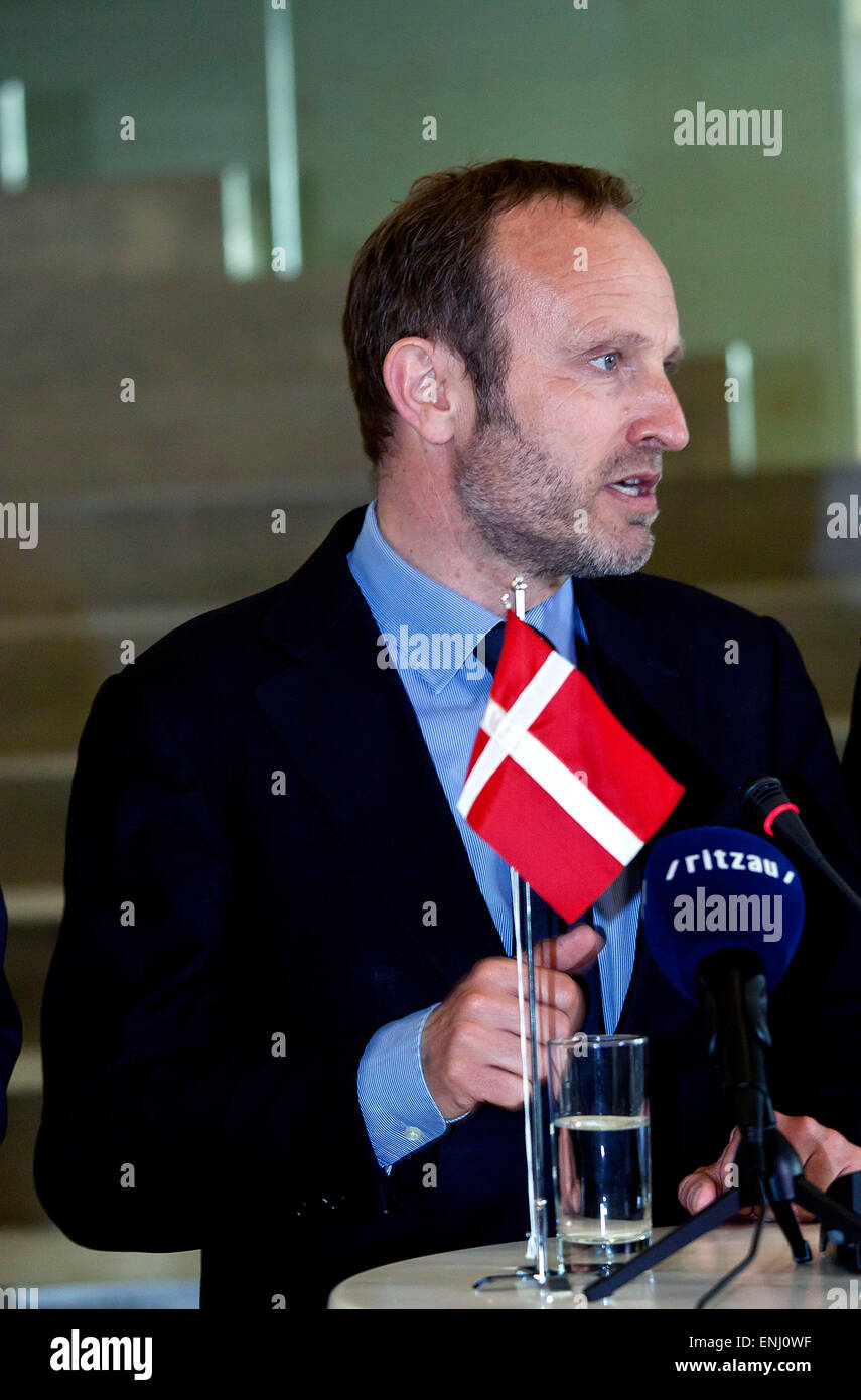 Elsinore, Denmark. 6th May, 2015. Danish foreign minister, Mr. Martin Lidegaard, presents at a press conference - Stock Image