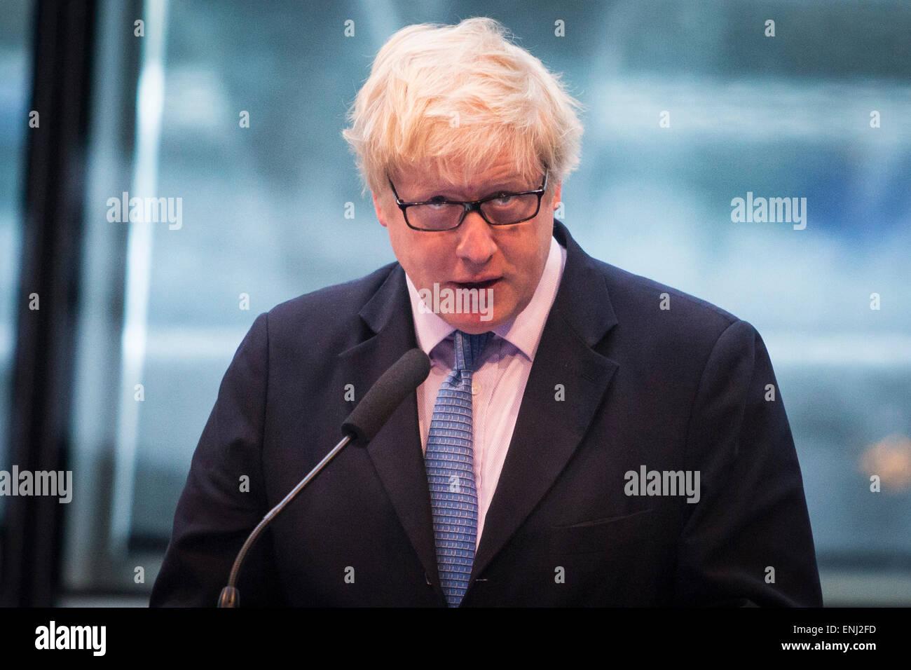 UNITED KINGDOM, London : The Mayor of London Boris Johnson addresses members of the London Assembly at City Hall - Stock Image