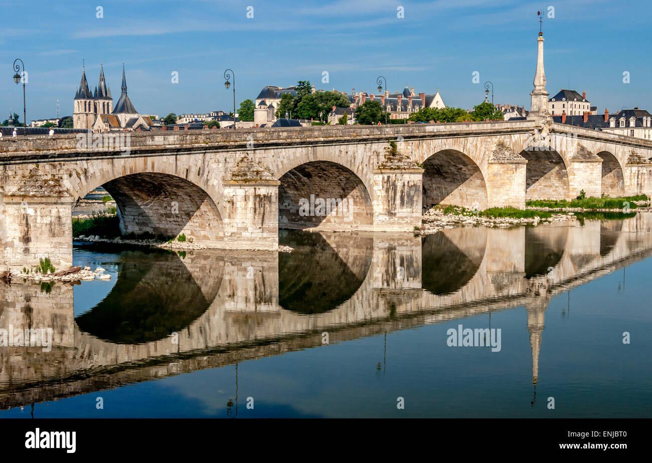 Bridge over River Loire, Blois in France - Stock Image