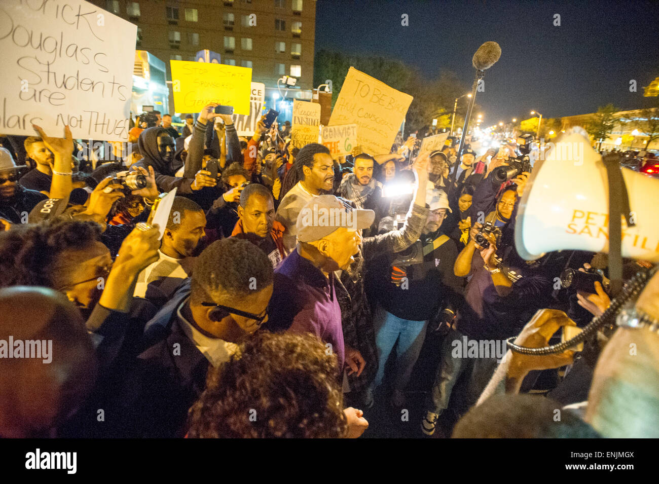BALTIMORE MARYLAND - Civil unrest as protesters gather at Pennsylvania and North Ave. to protest the death of Freddie - Stock Image