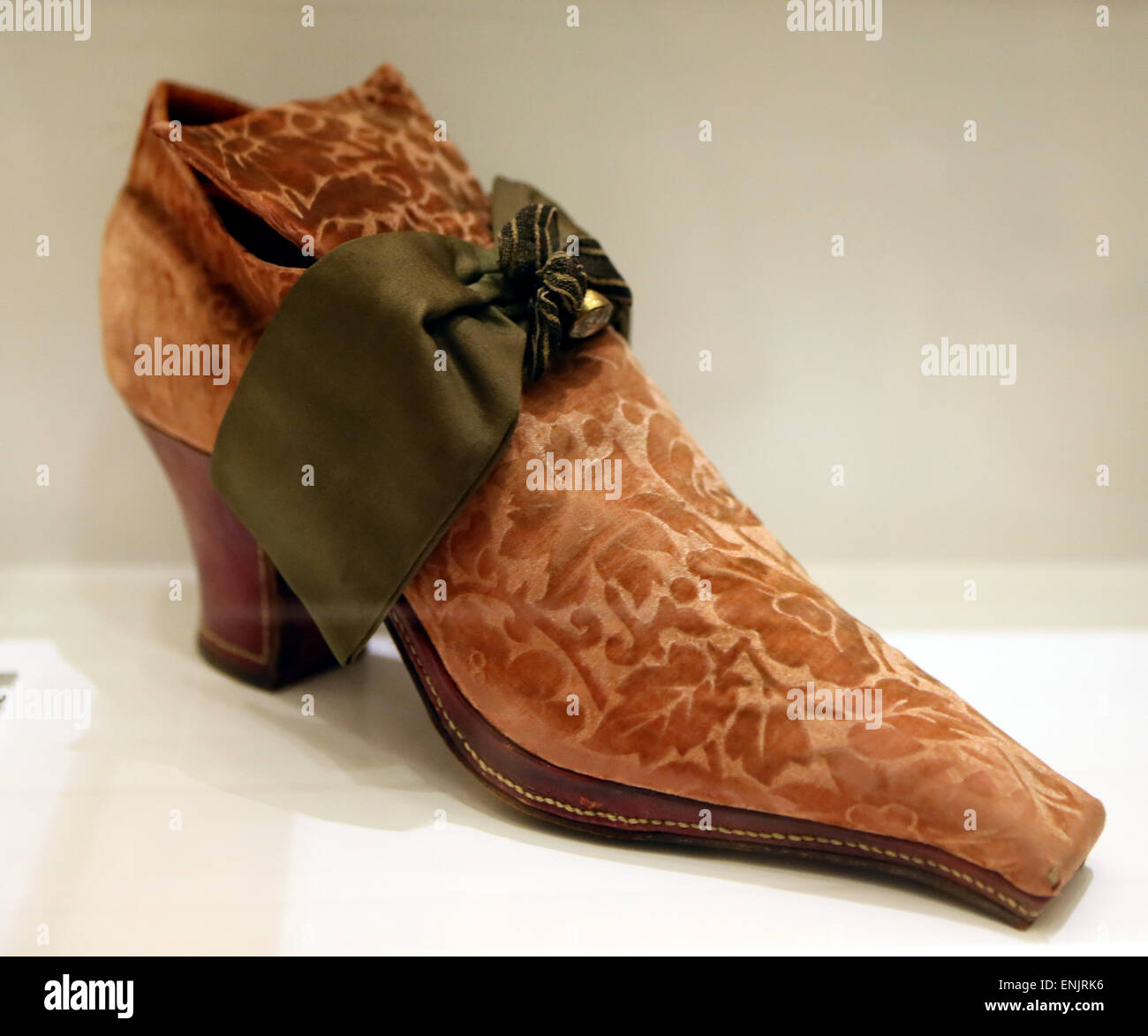 Old Fashioned Mens Shoes High