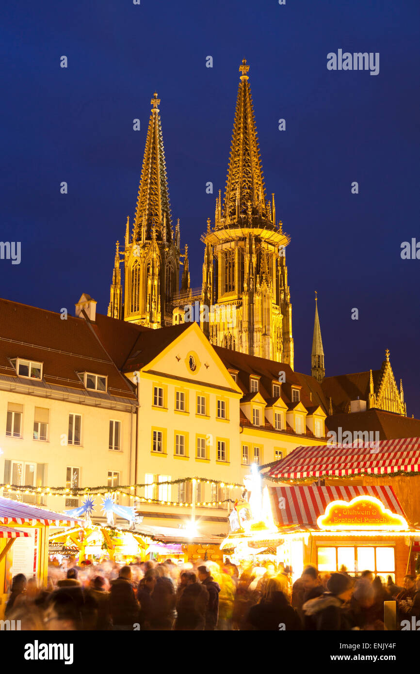 Christmas Market in Neupfarrplatz with the Cathedral of Saint Peter in the Background, Regensburg, Bavaria, Germany, - Stock Image