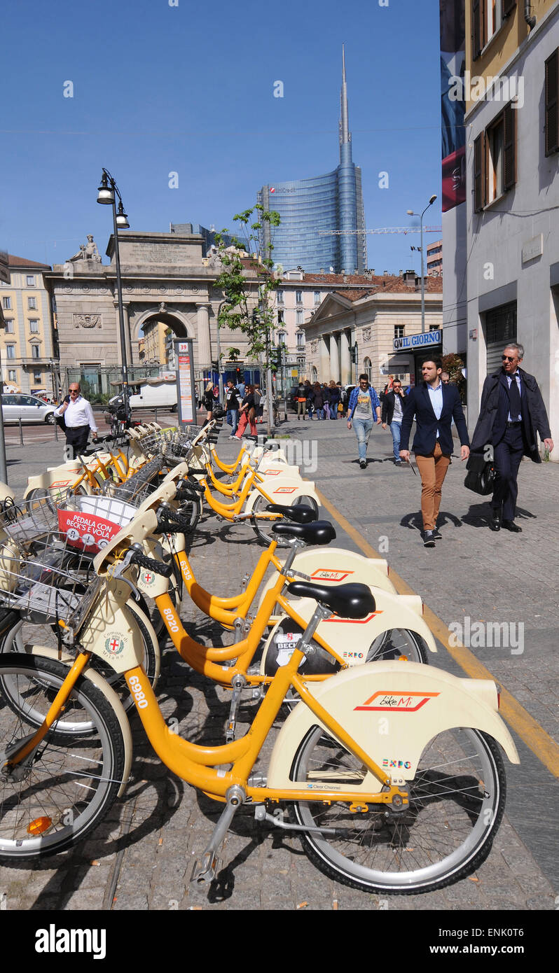 Italy, Lombardy, Milan: Atm bike sharing - Stock Image